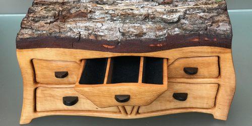 Schmuckkästchen aus Erlenholz